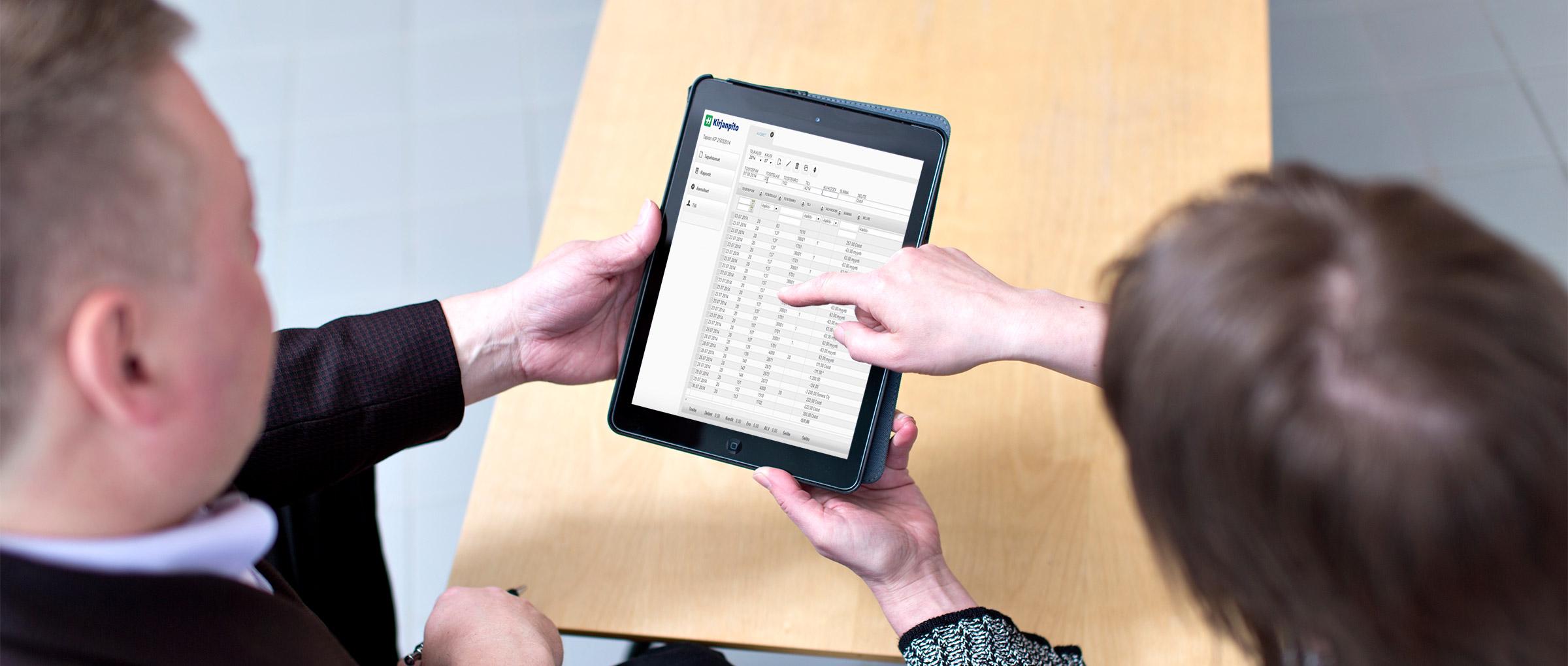 Heeros taloushallinto-ohjelmistoa voit käyttää hyvin myös mobiililaitteilla.